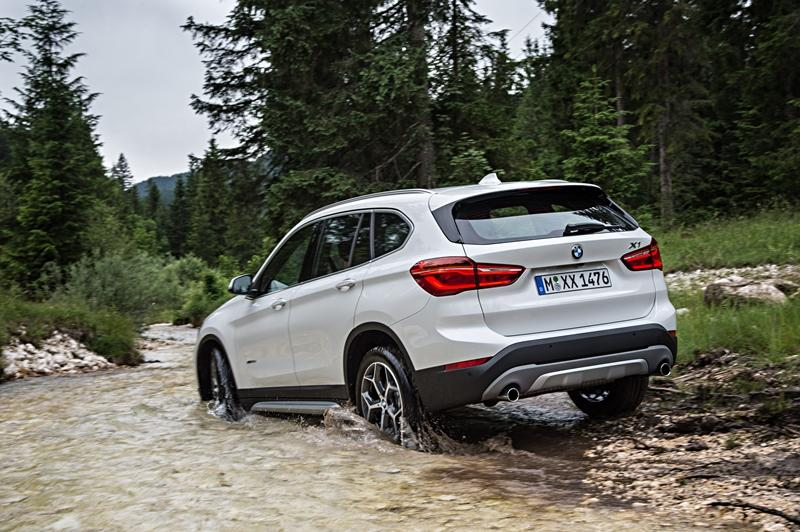 P90190675_highRes_the-new-bmw-x1-on-lo