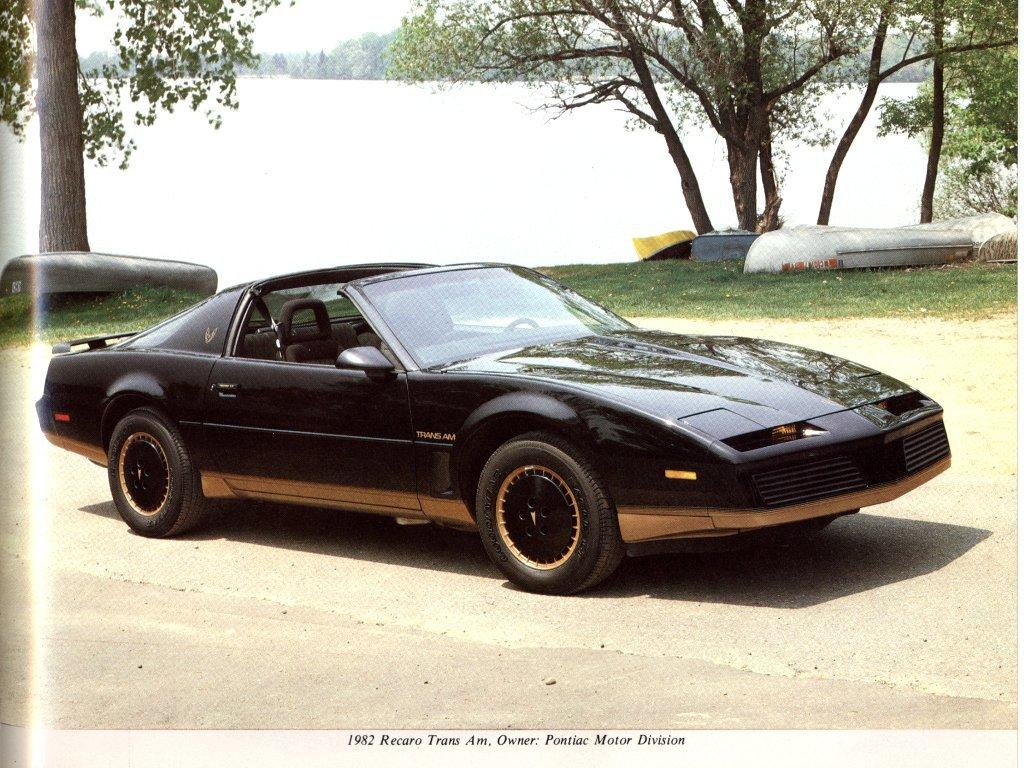 1982 Pontiac Firebird Trans Am Racaro-01